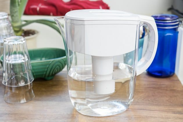 water pitcher and filters for the dorm
