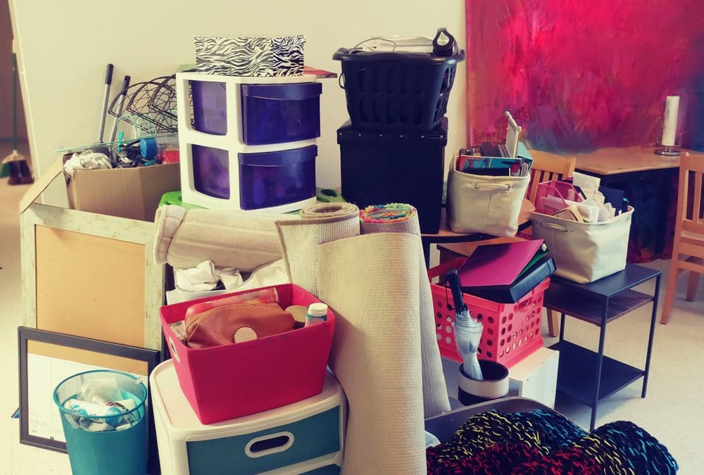 What you need for a college dorm room (including on move-in day)!